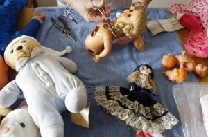 doll-hospital8