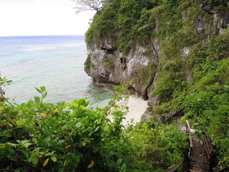 Entrance-to-Hio-Beach